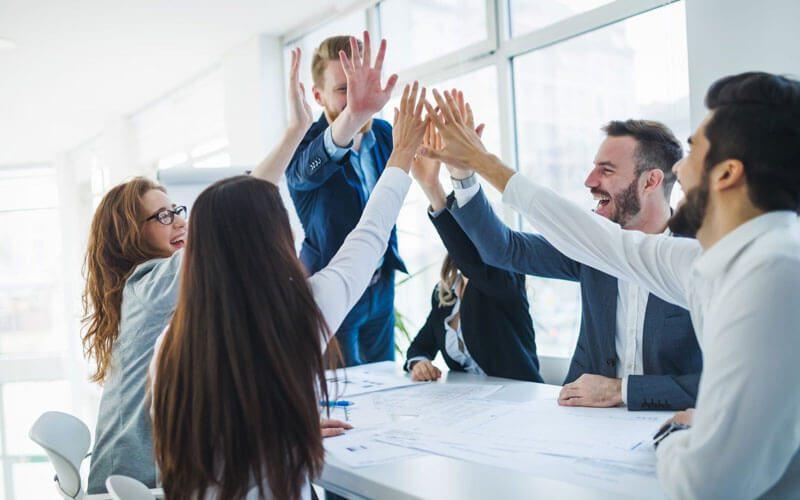 « le Groupe ROS, troisième distributeur indépendant de solutions bureautique, qui a racheté Kertel Cloud au début de l'année et dont l'IT représente le quart des revenus